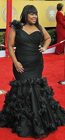 #3 Amber Riley wins again in another gorgeous one-shoulder gown
