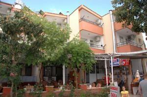 #Otel #Oteller #OtelRezervasyon - #Antalya, #Manavgat - Derya Motel Manavgat - http://www.hotelleriye.com/antalya/derya-motel-manavgat -  Genel Özellikler Bar, 24-Saat Açık Resepsiyon, Aile Odaları, Emanet Kasası, Isıtma, Bagaj Muhafazası, Klima, Restoran (alakart) İnternet Bağlantısı İnternet İnternet erişimi yoktur. Otopark Otopark Ücretsiz! Otelde (rezervasyon gerekli değildir) ücretsiz özel park yeri mevcuttur.   Chec...
