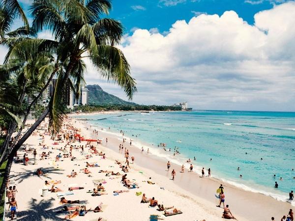 "#resortime ""Where's the sunscreen?"" Waikiki Beach, Hawaii #resortime"
