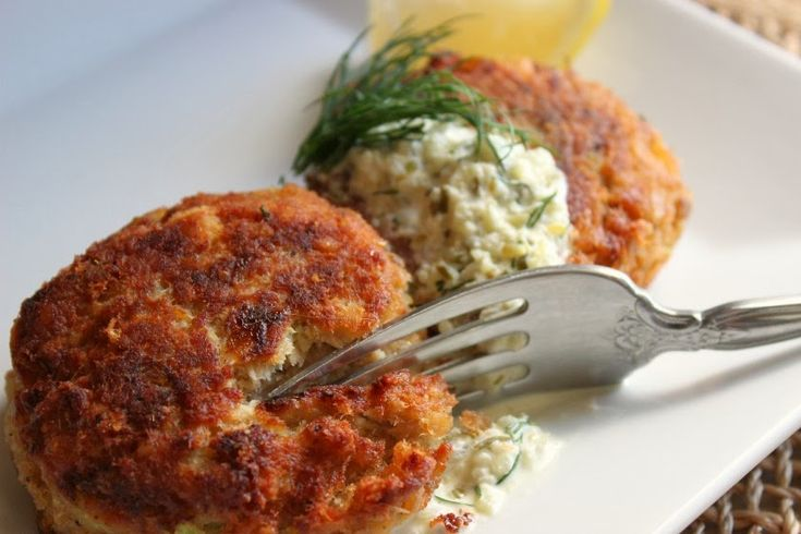 Salmon cakes were one of the meals we would often have on a Friday night. It's a great way to use canned (or leftover salmon).         2...