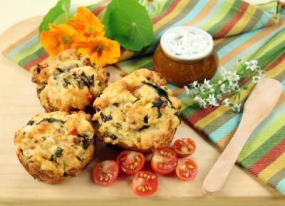 Cuketové muffiny se sušenými rajčaty | Jóga dnes
