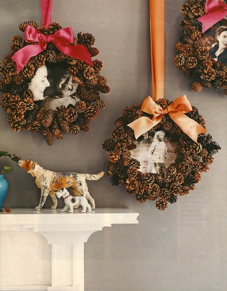 I love this idea for Christmas decorations! Make a pinecone wreath to frame a favorite family photo and garnish with a pretty ribbon.