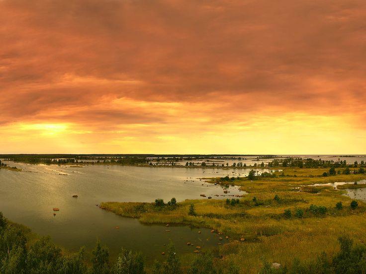 Svedjehamn at a summer night.