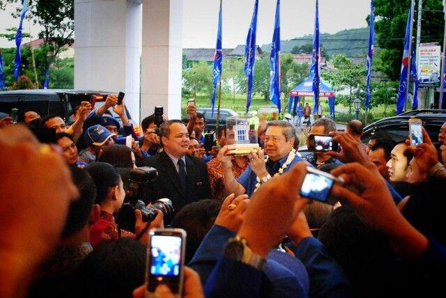 Pak SBY, Ibu Ani SBY dan Mas Ibas Visit