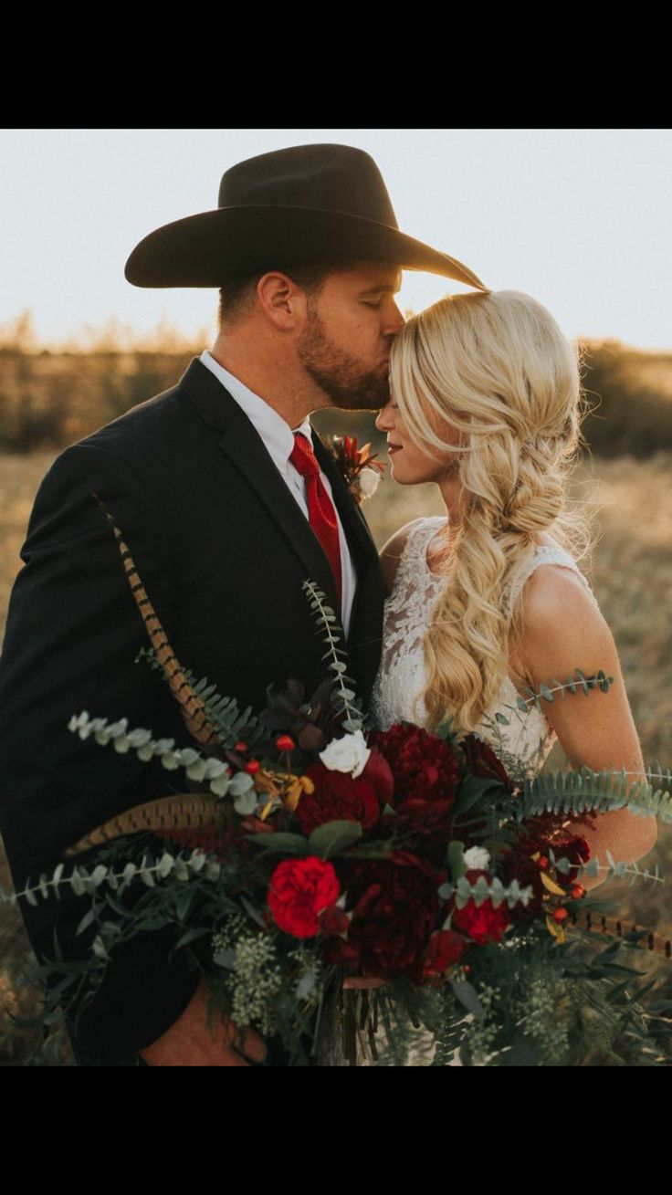 Best 25+ Western Wedding Ideas Ideas On Pinterest | Camo Wedding  Decorations, Outdoor Diy Wedding Decor And Farm Wedding Themes