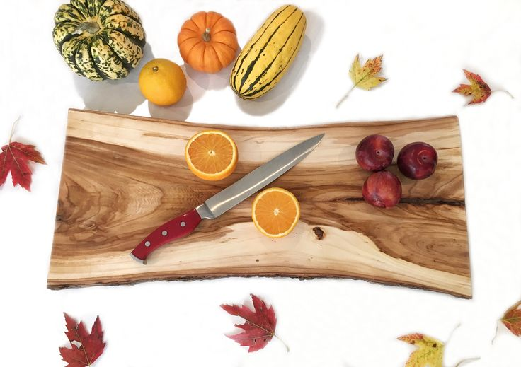 Ready to cook? / Cutting board, elm, planche à découper, orme, wood, bois, kitchen, cuisine, fall, maple, érable