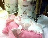 Sacchetti nascita, portaconfetti in feltro a realizzati a mano, body baby con confetti, spedizione gratuita con ordine minimo di 30 pezzi