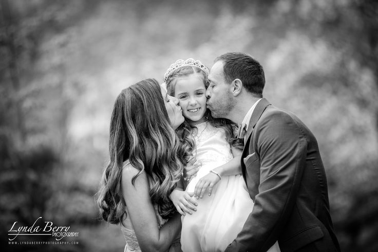 First Holy Communion Photography by Lynda Berry Photography #Inspiration #1stHolyCommunion #Family #photography #photos #ideas #familyportraits #firstholycommunion #spring http://lyndaberryphotography.com/