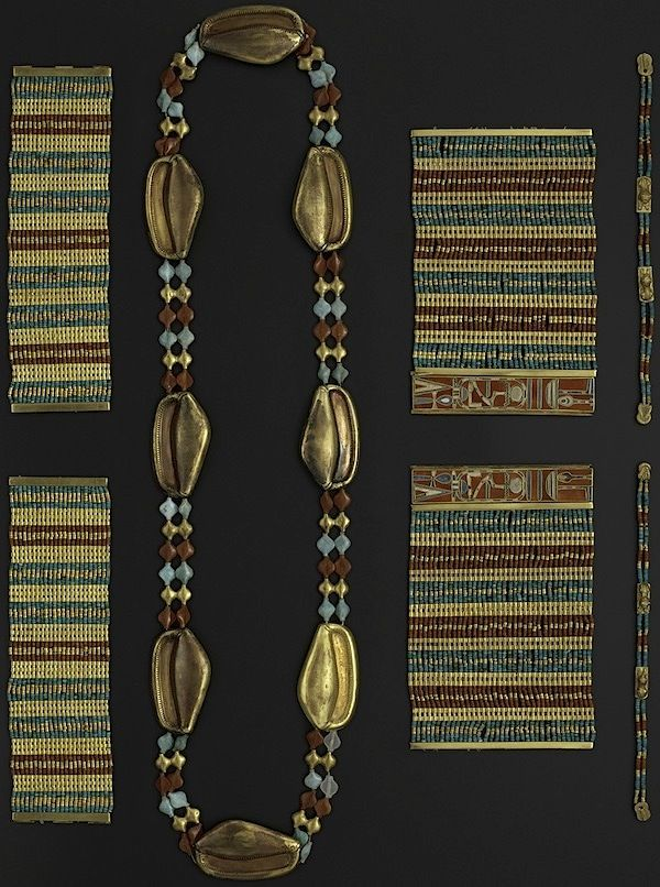 Exhibition Shell Necklace : Jewelry sithathoryunet from the exhibition quot magical