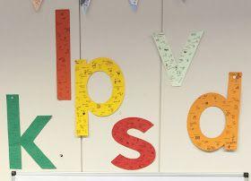 Een handig bestandje met alle letters van het alfabet.   Ik heb de letters op A3 uitgeprint, uitgeknipt en geplastificeerd. Zo kan ik ze e...