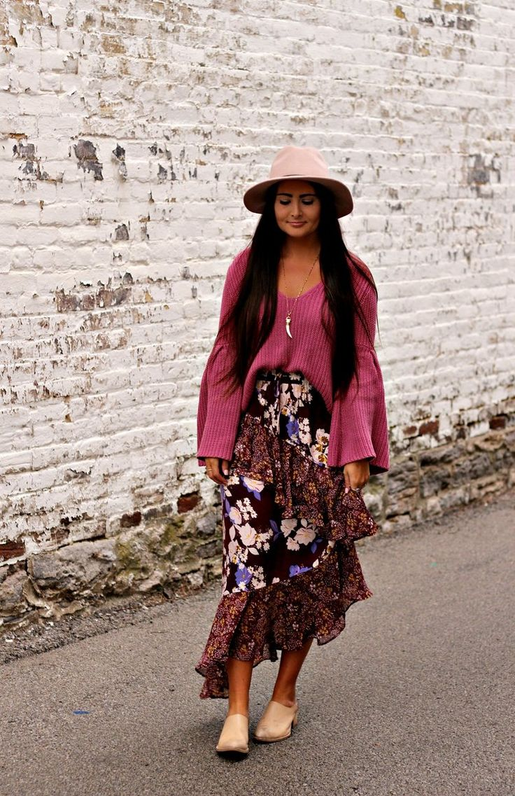 Boho fall floral skirt + sweater outfit | Miss Molly Vintage