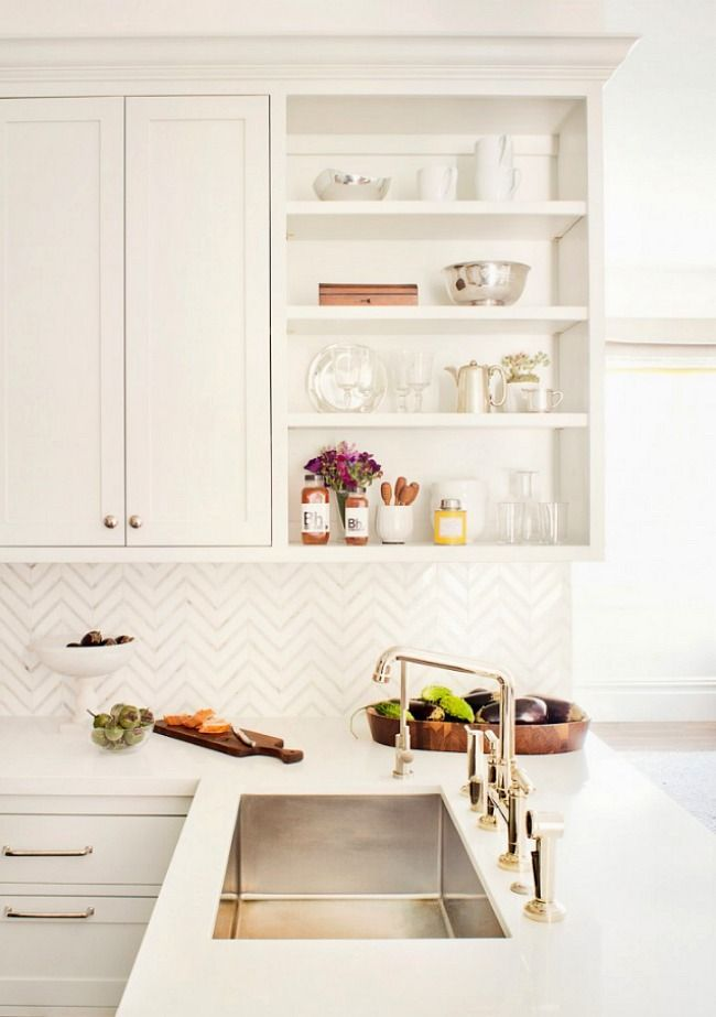 White Kitchens With Gold Accents | Kitchen Makeover Inspiration