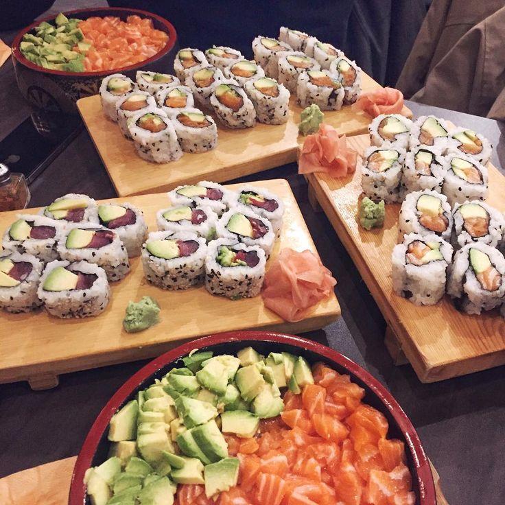 """Ma deuxième maison  J'ai trouvé le meilleur japonais de Paris et depuis il n'y a pas une seule semaine on je n'y vais pas. D'ailleurs, je suis en train de travailler sur la catégorie """"Mon Paris"""" qui arrivera très bientôt sur mon blog, j'y partagerais toute mes bonnes adresses!"""