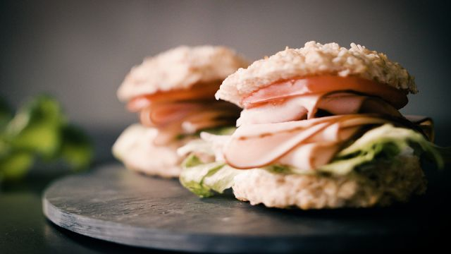 Tasty Health: Gymgrossisten Kitchen - Breakfast Protein Carrot Rolls