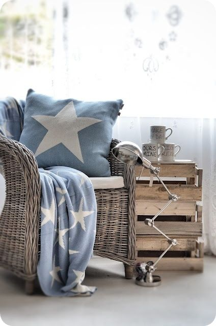 Toves Sammensurium (Toves Mishmash) Blog. Love the star pillow & throw blanket. Shown on Tuesday, August 7, 2012 blog entry. Unable to locate manufacturer info.