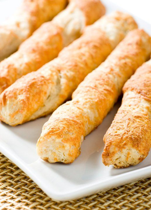 """Sabado de antojo... Disfruta hoy de un delicioso """"SACRISTAN"""" de la #reposteriaastor   www.elastor.com.co"""