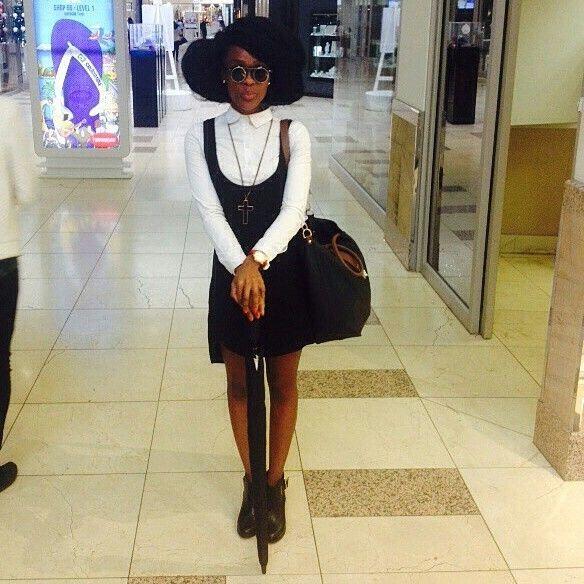 White shirt+ black over sized vest #dress look alike.=black and white