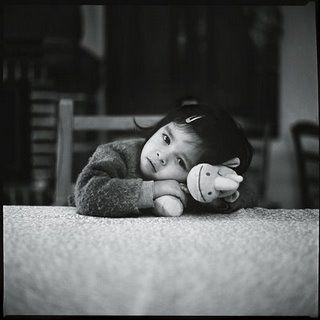 bambina-che-assiste-litigio-fra-genitori.jpg (320×320)