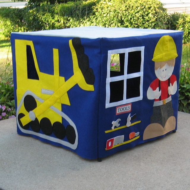 Play House, Bob The Builder Card Table Size.