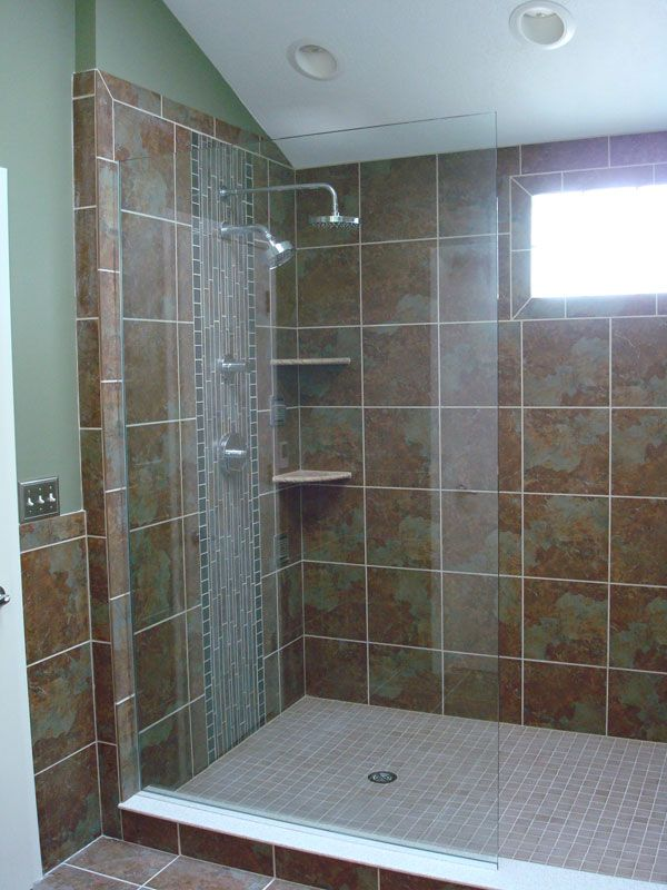 Walk in showers without doors an existing 3x3 shower for Hallway bathroom ideas
