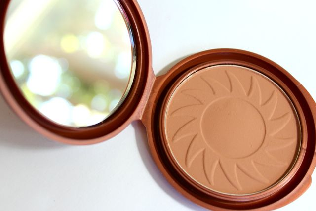 NYC Bronzer in Sunny  One of these best bronzers for natural photos (matte), at an EXTREMELY low price!
