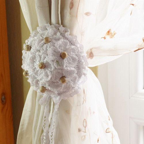 V bílém květu - spony na závěsy