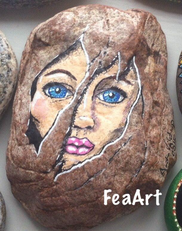 Et blik fra stenen. FeaArt Facebook