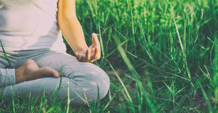 Adopter une routine quotidienne adaptée à son corps est une des fondations de la santé selon la médecine ayurvédique. Cela est d'autant plus vrai lorsque ces habitudes sont programmées en fonction des rythmes naturels du corps et des influences extérieures.
