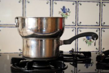 How to make a double boiler - so easy. No need to spend loads of money on one. I'm using a homemade one now.