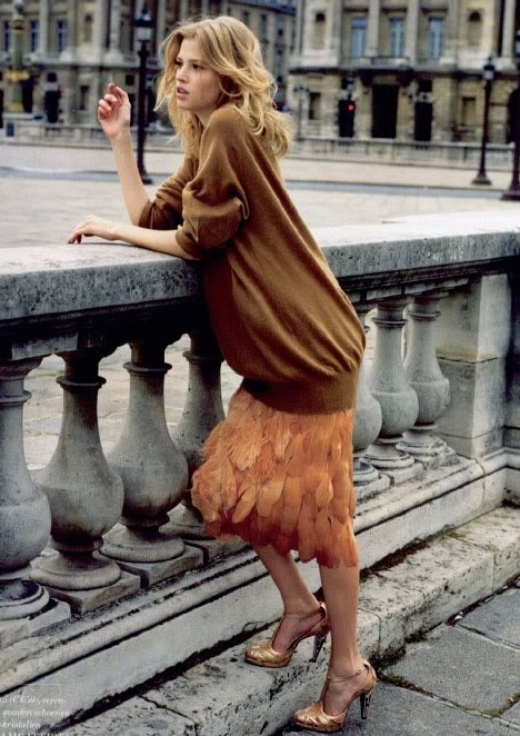 effortless: Fashion, Feather Skirt, Style, Editorial, Lara Stone, Posts, Stones