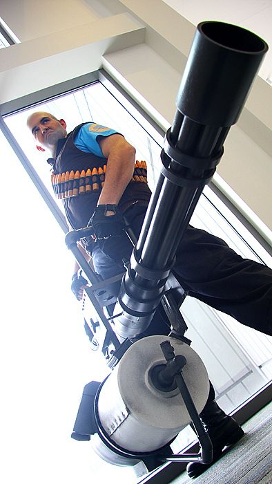 Blue Heavy from Team Fortress 2   Cosplayer: drillbot14kv3   Photographer: Lionel Lum