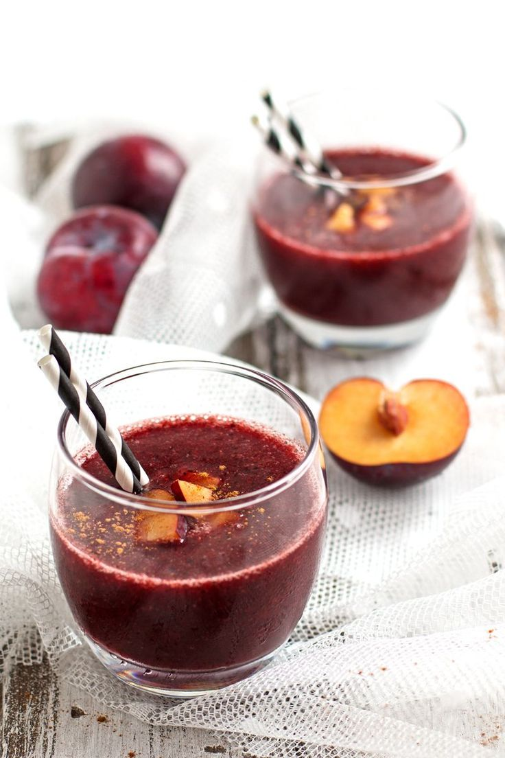 This Healthy Cinnamon Plum Smoothie recipe is dairy-free, banana-free and 100% fruit!