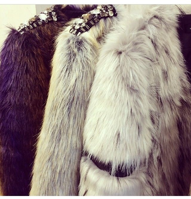 Winter fashion! Fur coat!