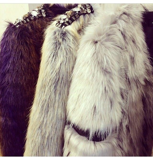 Winter fashion! Fur coat!