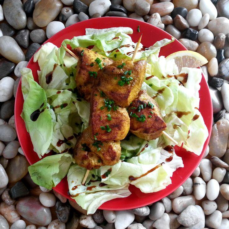 Brochettes de poulet au curry Loïc & Constantino