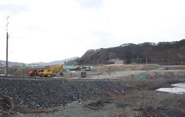 Tohoku Earthquake 2011(As of 2015,Ohtsuchi-Cho) 工事が進む2015年の大槌町 子ども・若者の教育を寄付で支援|認定NPO法人カタリバ