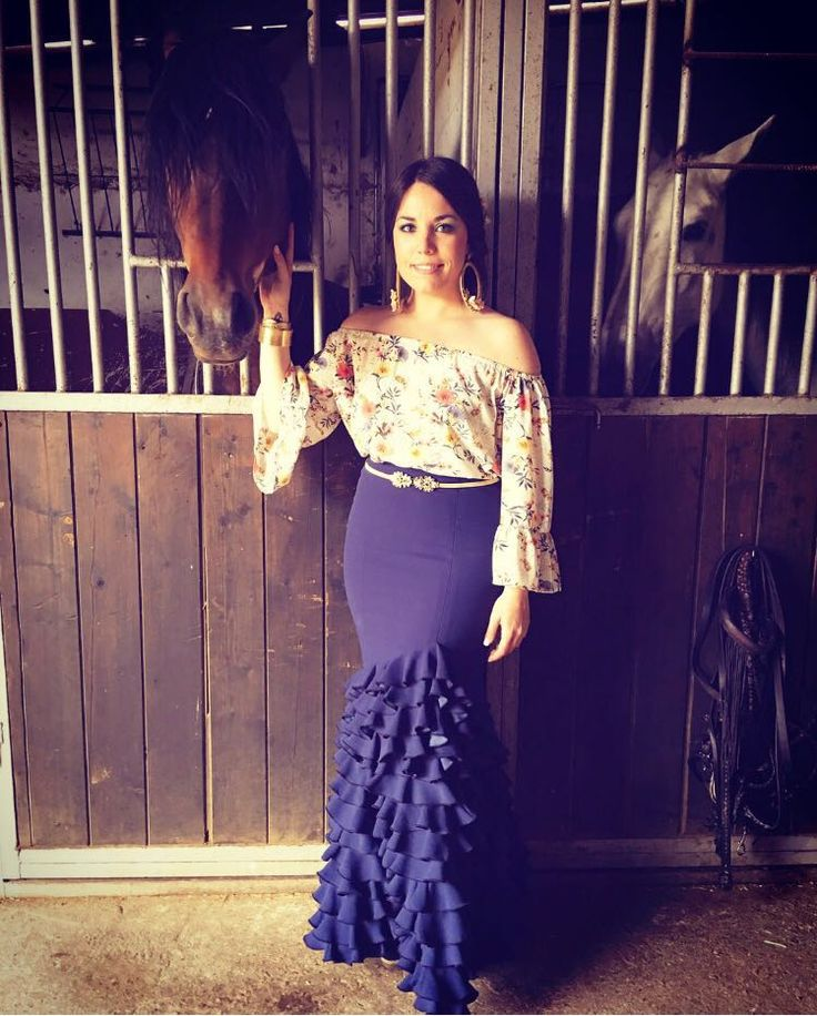 Cris Romero con falda diseño de Tresele