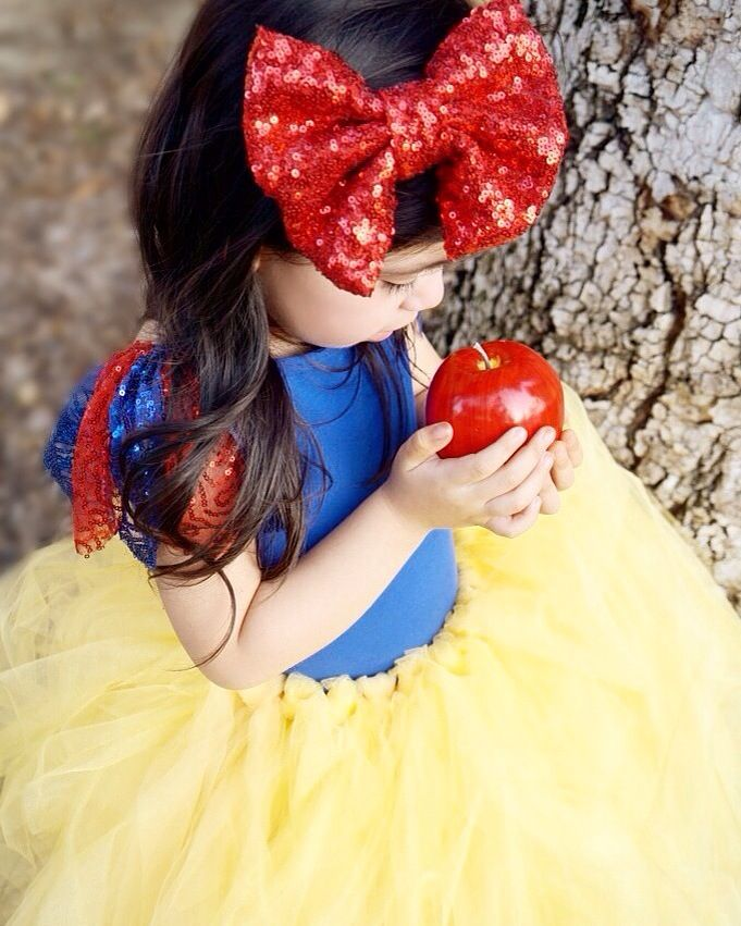 Beautiful Snow White Little girl Costume! Halloween 2015 tutu snow white tutu skirt