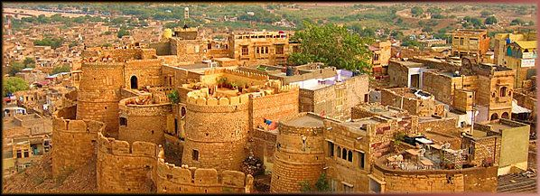 #Jaisalmer, one of the most important #tourist destination of #Rajasthan known for its #Forts and #Desert. Hot in days and chilled in nights. This is the time you should book your #DiscoverRajasthan Tour with Royal Rajasthan #Travels so that you can enjoy here without any fear of day and night weather variations.