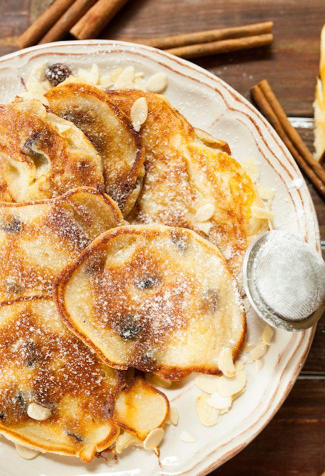 Racuszki z serem, jabłkami i rodzynkami