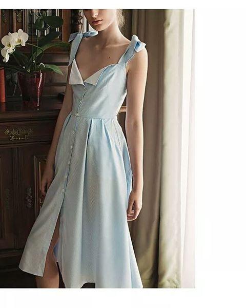 TAYLOR dress at Maison Raquette.