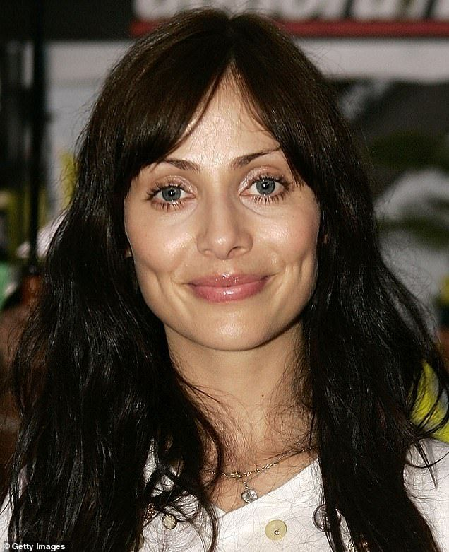 Natalie Imbruglia, 44, stuns as she showcases her youthful