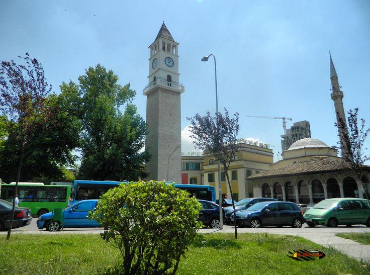 Xhamia e Et'hem Beut Moschee-Leseraum,Tirana,Albania, Nikon Coolpix L310, 4.5mm, 1/250s, ISO80, f/8.7,-0.3ev, HDR photography, 201607061359