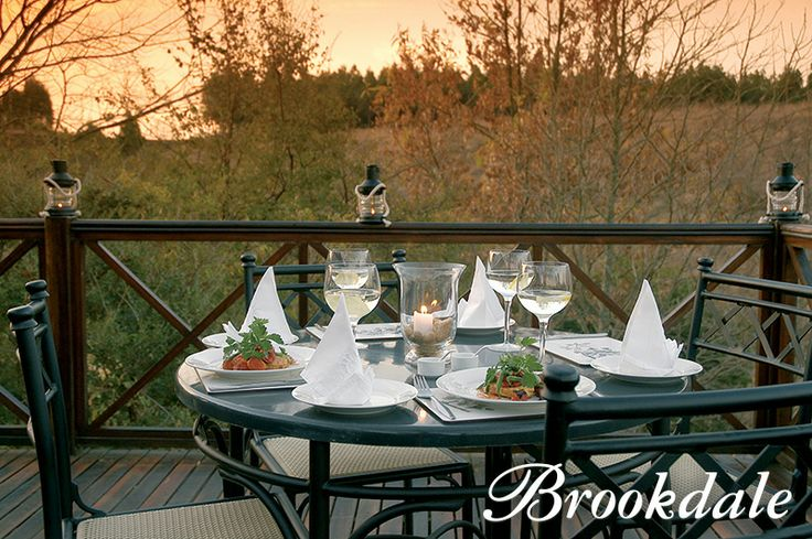 Outdoor Dining at Brookdale Health Hydro