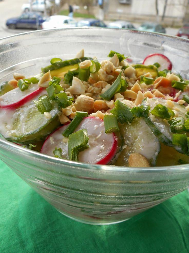 Gâză's Kitchen: Ridichio-Castravețo-Salată