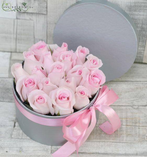 Rózsaszín rózsák ezüst dobozban (19 szálas box)
