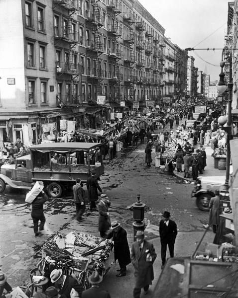 A busy street in the Lower East Side. Photograph by Hansel Mieth. New York City, 1937.