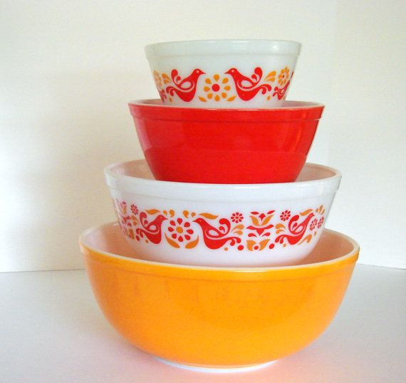 Vintage Pyrex Friendship Mixing Bowl Complete by sassboxclassics, $120.00