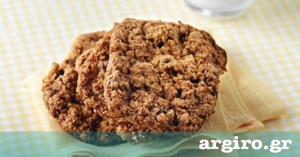 Μπισκότα με βρώμη και σταφίδες από την Αργυρώ Μπαρμπαρίγου   Υγιεινά μπισκότα βρώμης για μικρούς και μεγάλους. Ιδανικό σνακ για ένα πρωινό γεμάτο ενέργεια!
