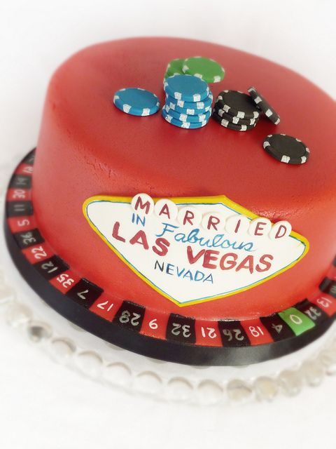 Las Vegas wedding cake by Swedish Cakes (Linda), via Flickr